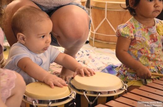 Círculo de Tambores para Crianças, pais e amigos no Firulas Café - Tambores Vento Bom